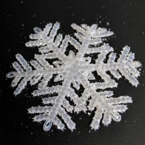 Schneeflockenhänger weiß 10cm 24Stk